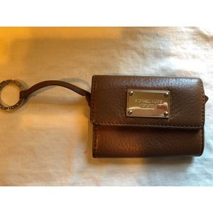 Brown Michael Khors coin purse